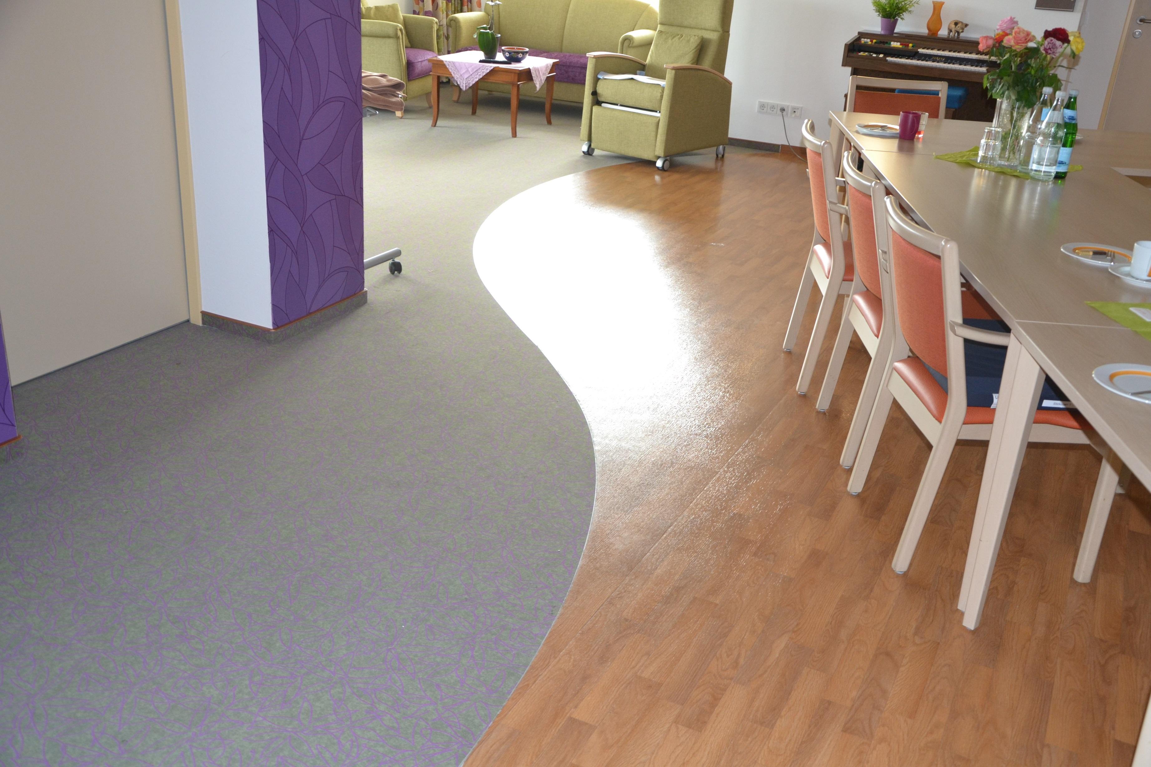 vinylboden auf teppich affordable frs badezimmer with vinylboden auf teppich beautiful. Black Bedroom Furniture Sets. Home Design Ideas