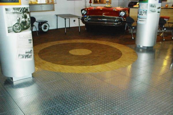 Parkettboden Mit Intarsien : Ederbergland parkett tafelparkett intarsien